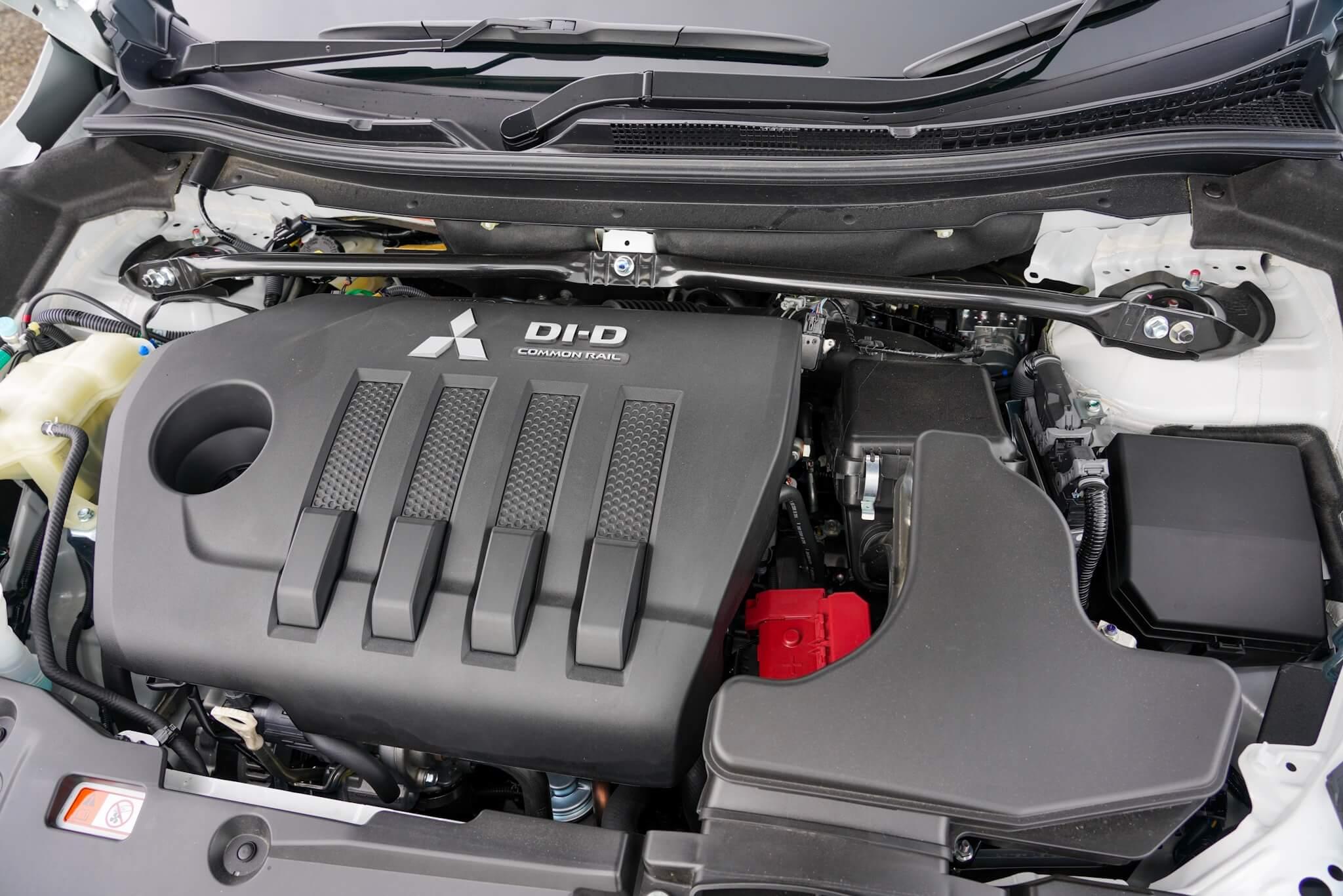 三菱 エクリプスクロス DI-D ディーゼルエンジン