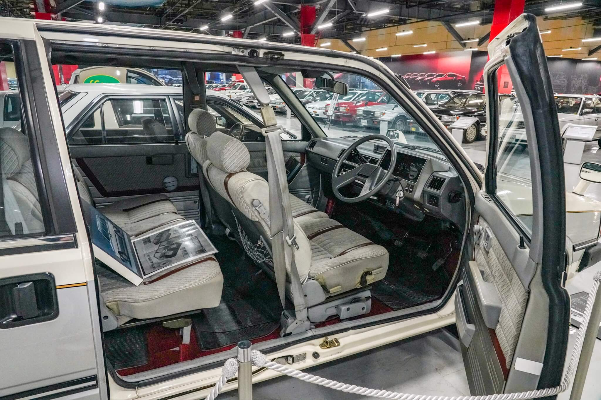 日産 プレーリー PM10型 サイドドア