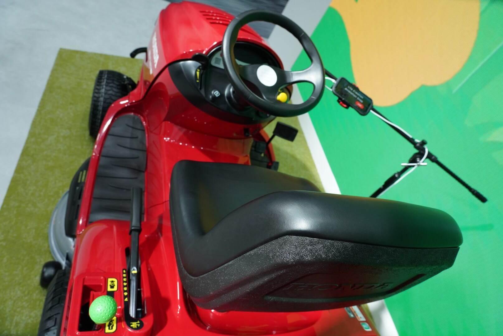 ホンダ乗用芝刈り機HF2417 東京モーターショー2019