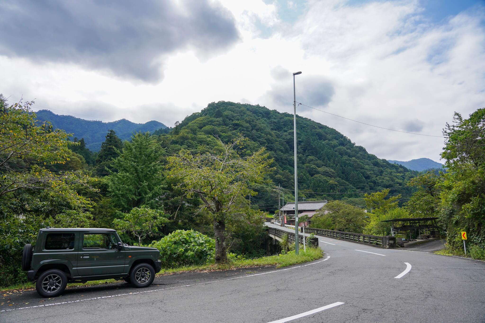 国道299号 埼玉県小鹿野町 河原沢川を渡る橋