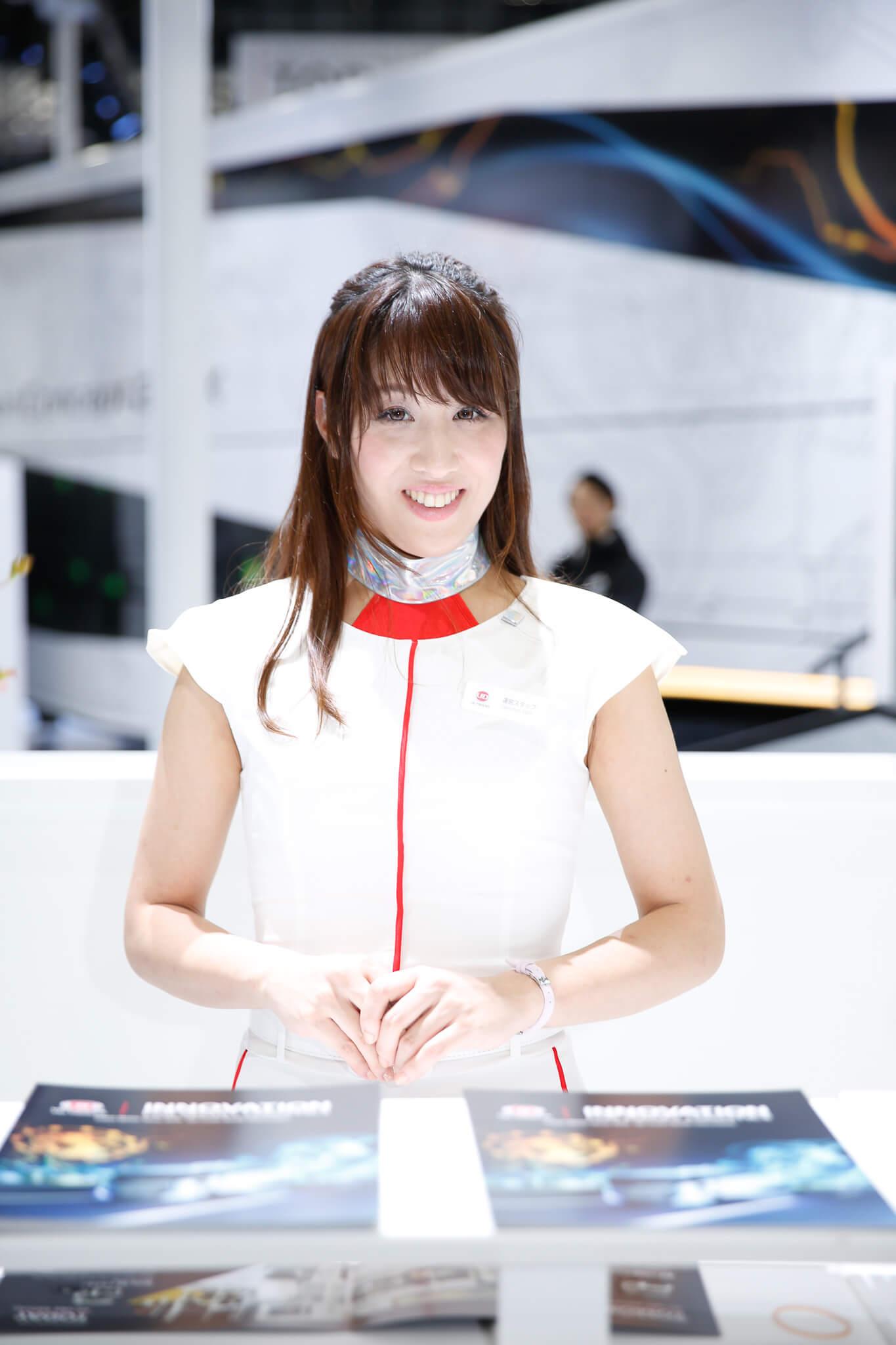 UDトラックス 東京モーターショー2019 コンパニオン
