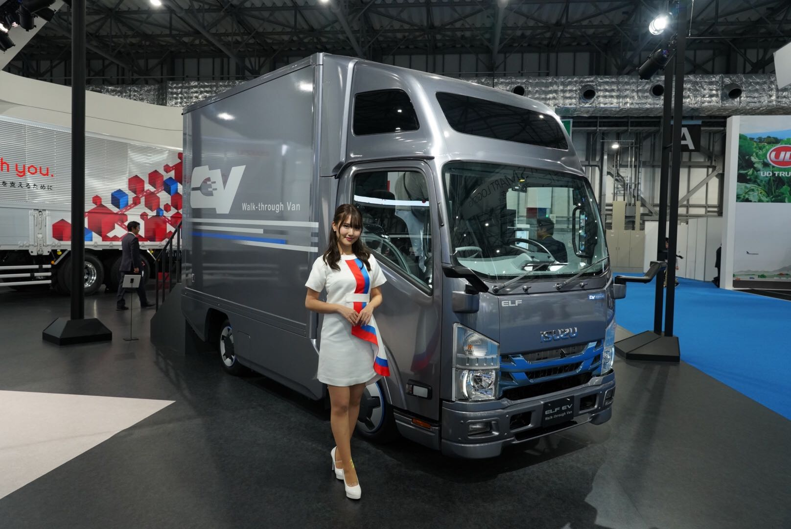 いすゞ エルフEV ウォークスルーバン 東京モーターショー2019