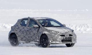 トヨタ新型ヤリス・クロスオーバーSUVをスクープ!年内に発売か?