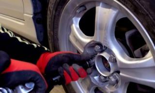 タイヤ交換総まとめ タイヤの寿命・交換時期から方法・工賃相場まで
